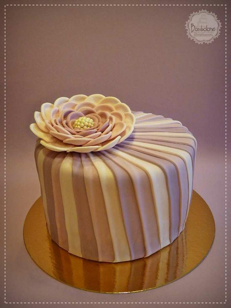 Elegáns virágos torta / Elegant flower cake