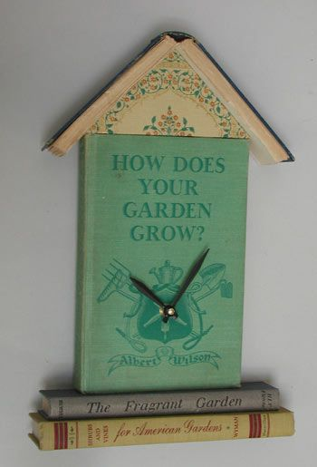 Be creative and turn some old books into Clock: Repurpo Books Crafts, Make A Book, Dishfunct Design, Books Recycled, Recycled Books Projects, Crafts Ideas, Books Clocks, Books Repurposed, Old Books