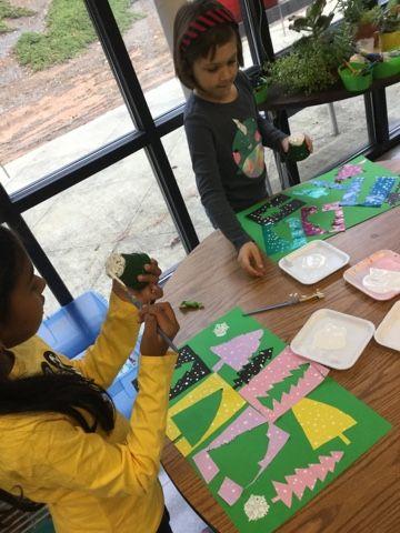 Paní Rytířský Nejchytřejší umělci: Abstract Evergreen koláž, druhý stupeň