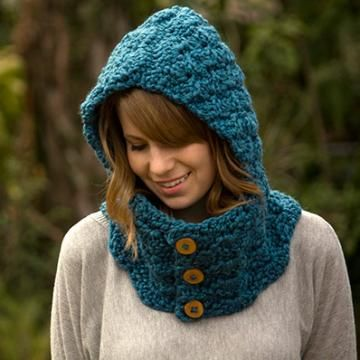 Hooded cowl crochet pattern by Well-Ravelled
