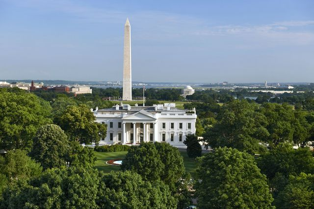 Find the answers to everything you want to know about Washington, DC. What attractions should I see? How do I tour the White House, the Capitol, the Supreme Court? Is Washington, DC safe?