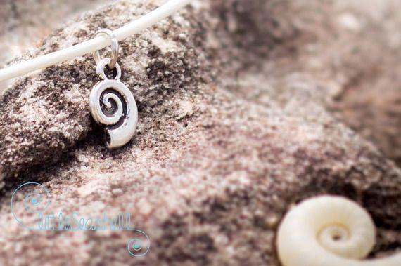 """Bracelet bras poignet ou cheville fiole coquillages """" Long beach """" bijou unique et original parfait pour l'été"""