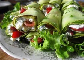 Рулетики из кабачков — вкусные рецепты