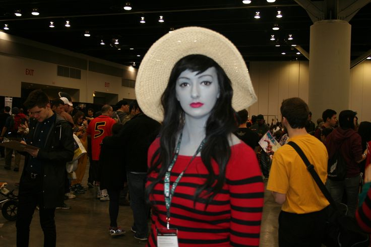 Adventure time is my jam, and so is this Marceline cosplay \(0<>0)/