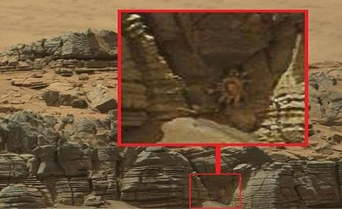 Crab on Mars? A year ago the Rover Curiosity logged a Photograph  (See the Video)