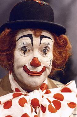 Pipo de Clown ( Cor Witschge ) tijdens televisieopnames in 1973.