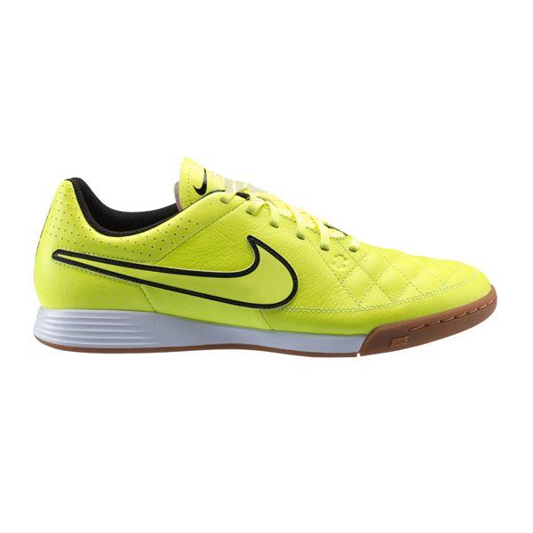 Sepatu Futsal Nike Tiempo Genio Leather Ic 631283-770 dengan EVA Sockliner yang memberikan kenyamanan ketika berlari. Harga sepatu ini Rp 659.000.