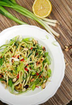 Rezept für asiatische Zucchininudeln Low Carb