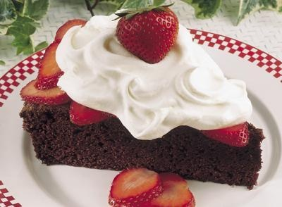 Chocolate Strawberry Shortcake Recipe | Pasteles y postres | Pinterest