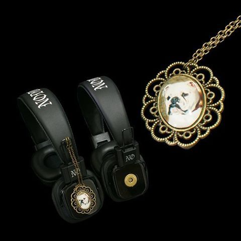 Headphones with attachable pendants - Bulldog  To buy this particular product, go here:  http://noddders.com/product/retro-collectable-headphones/  To browse other products, click link in bio #subculture #gothic #victorian #steampunk #retro #vintage #creepy #goth #punk #blackjewelries #gothstyle #gothicfashion #bulldog #bulldogs #dog #dogs #portrait #alternative #collection #collectibles #style #stylish #music #noddders #headphones #pendants