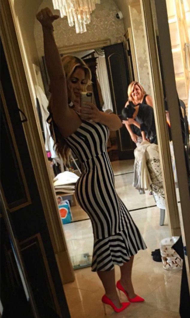 Kim Zolciak Flaunts Hot Bod in Sexy New Instagram Shots: ''Love My Curves''! | E! Online