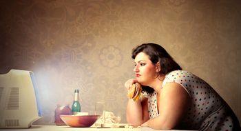 18 costumes que ajudam a somar quilos  11 Jul 2014  Estás á procura de perder peso ou encontrar uma fórmula para que os quilos que você desceu não voltem a aparecer?  Se você está custando muito a manter o seu peso é provável que haja alguns maus hábitos escondido debaixo de sua alimentação todos os dias. Vejamos quais são essas costumes na dieta que podem fazer você engordar ou que não se deixam sacudir o excesso de peso.  18 COSTUMES QUE SOMAM QUILOS Não saber quantas calorias consome: a…