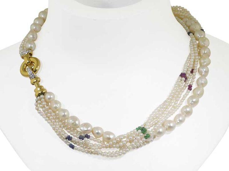 6 Perlenketten als mehrreihiges Perlencollier mit Rubinen, Smaragden, Saphiren und attraktiver Goldschliesse #perlen #vintage #schmuck #safir #rubin #smaragd #collier