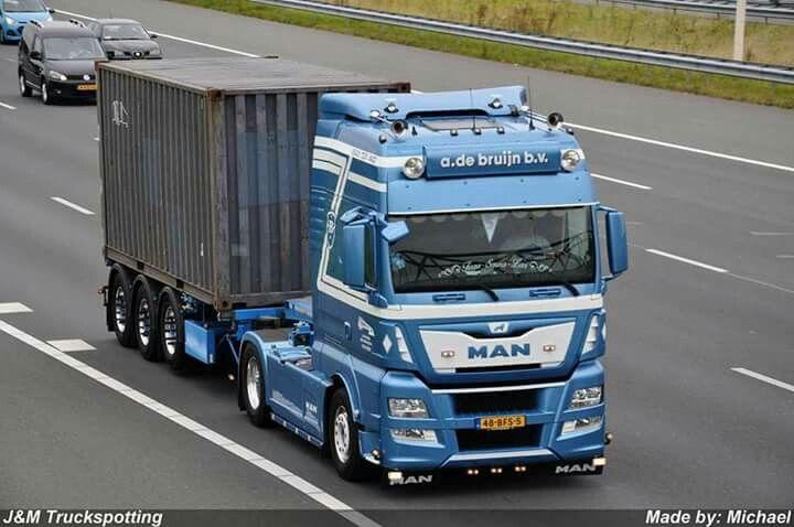 MAN TGX on traction duty