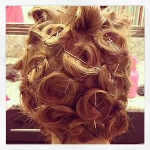 how to make hair style 25 best ideas about bobby pin curls on bobby 8749