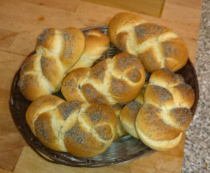 Rezept Mohnsemmel von RicardaD - Rezept der Kategorie Brot
