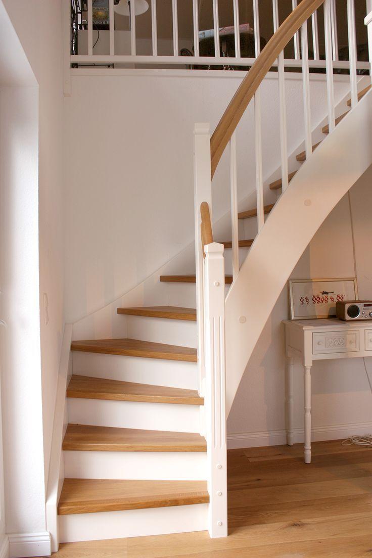 Holztreppen sind deutlich günstiger als Betontreppen