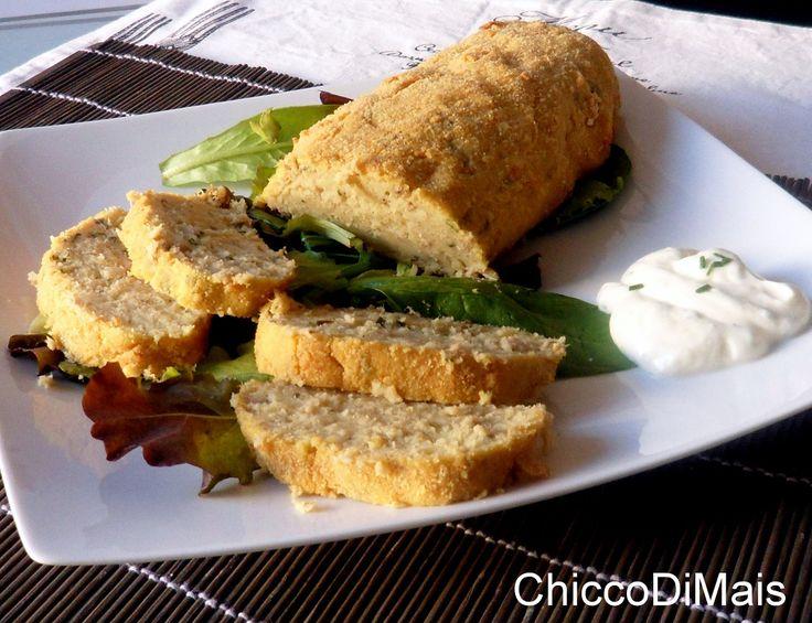 Polpettone di tonno con salsa allo yogurt ricetta al forno il chicco di mais http://blog.giallozafferano.it/ilchiccodimais/polpettone-di-tonno-con-salsa-allo-yogurt-ricetta-al-forno/