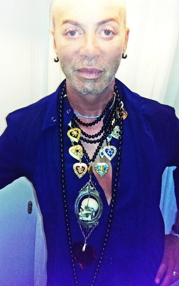 Lakis Gavalas wears  Pericles Kondylatos jewellery