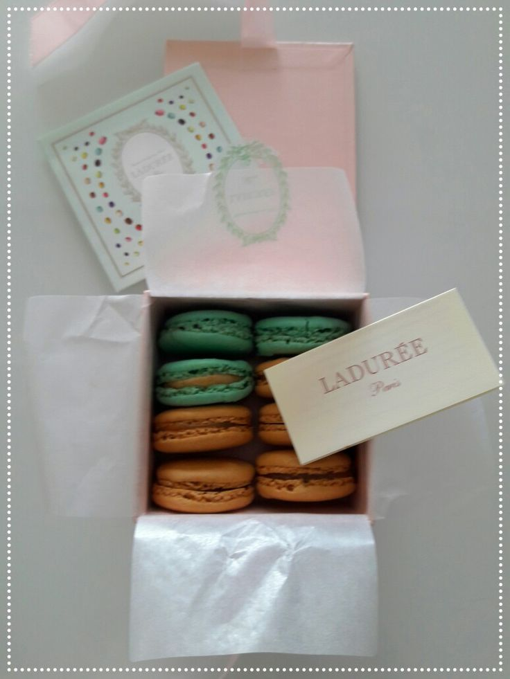 Macarons Marie-Antoinette Tea & Salted butter caramel #laduree #macarons #rome #patisserie
