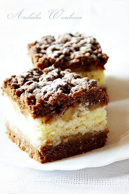 Kakaowe ciasto z kokosem i jabłkami