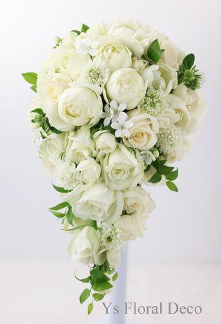 白グリーンのキャスケードブーケ  小花を入れて ys floral deco  @ウェスティンホテル東京