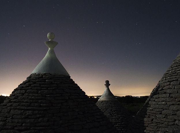 Alberobello - italy by Marika Ramunno #trullli #alberobello #italia #italy #puglia #weekendinpuglia #night #star #photo #fotografia #foto #photography