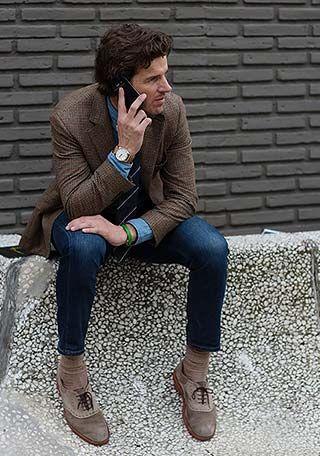茶色ツイードジャケット×ジーンズの着こなし(メンズ) | Italy Web