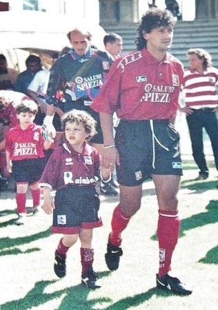 Giovanni Pisano. Sullo sfondo, Antonio Chimenti. Campionato serie B 1995-96