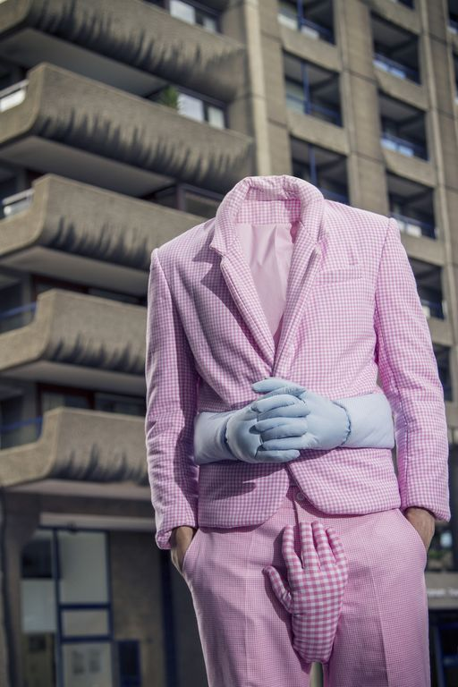 Si Leong Chan pink outfit with hands