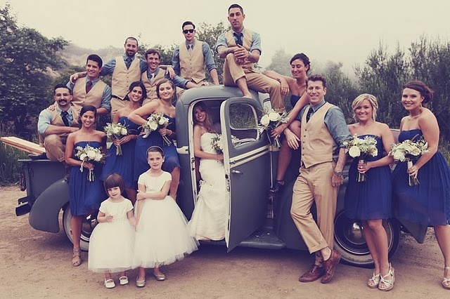 i am absolutely in love with rustic style weddings