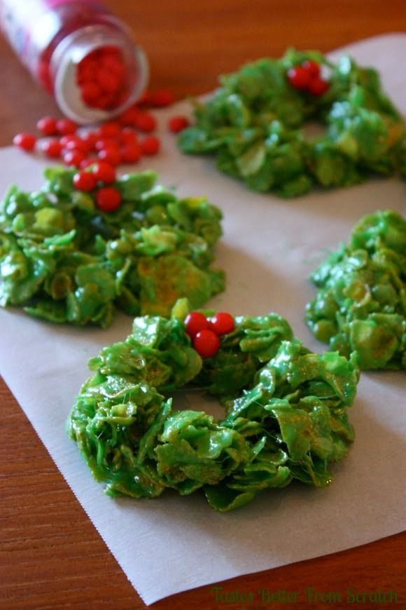 Christmas Cookies: Christmas Cornflake Wreaths http://christmascookiesblog.blogspot.co.uk/