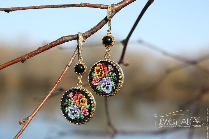 """Купить Серьги """"Анютины глазки"""" - черный, серьги, швензы корея, сережки с цветами, микровышивка"""