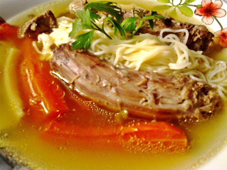 Pulykanyak leves recept. Válogass a többi fantasztikus recept közül az Okoskonyha online szakácskönyvében!