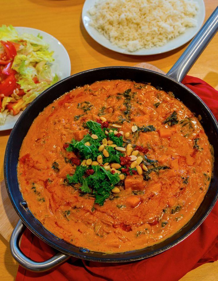 Zambiansk Jordnötsgryta med Grönkål och Sötpotatis   Jävligt gott - vegetarisk mat och vegetariska recept för alla, lagad enkelt och jävligt gott.