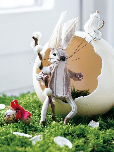 Artsy Easter Decor - Teatime Bunny//