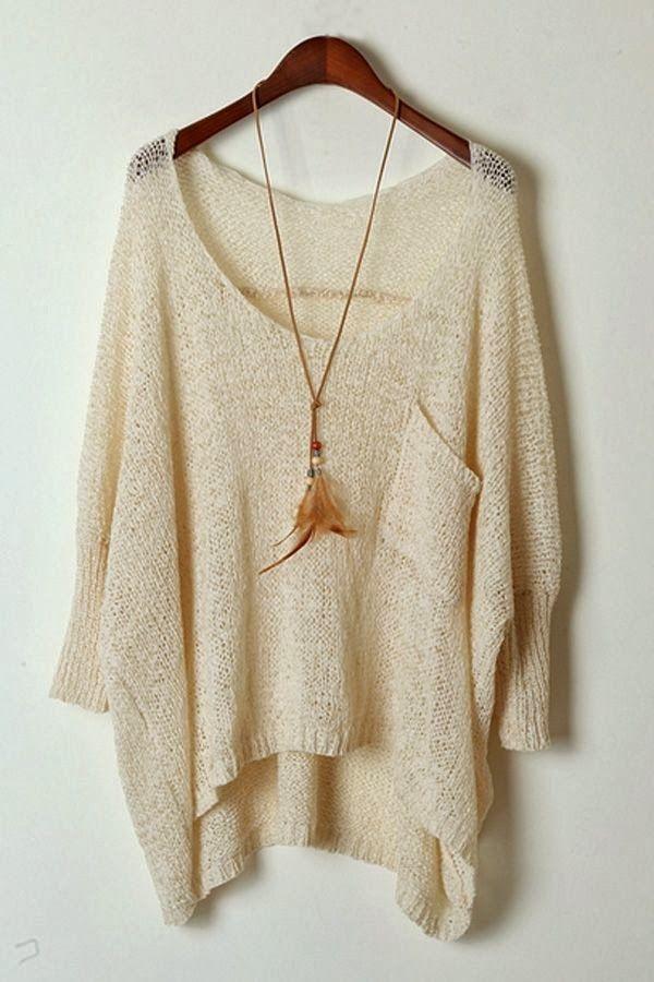 Este suéter es para el ocio. Queda muy grande y flojo. Es en el color beige.