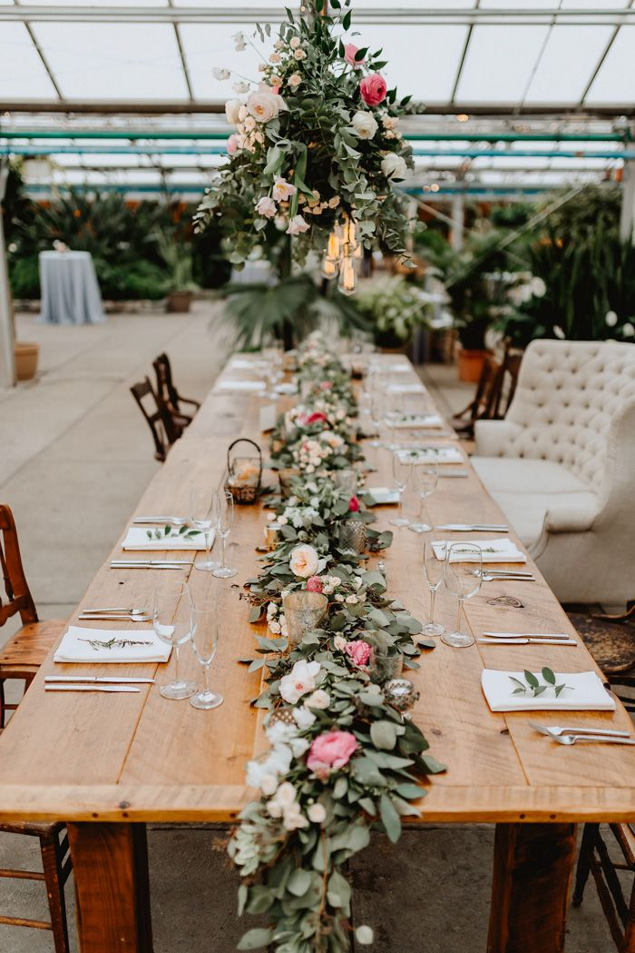 This Unbelievably Dreamy Fairmount Park Horticulture Middle Wedding ceremony Gave Visitors Backyard Vibes With out Climate Worries