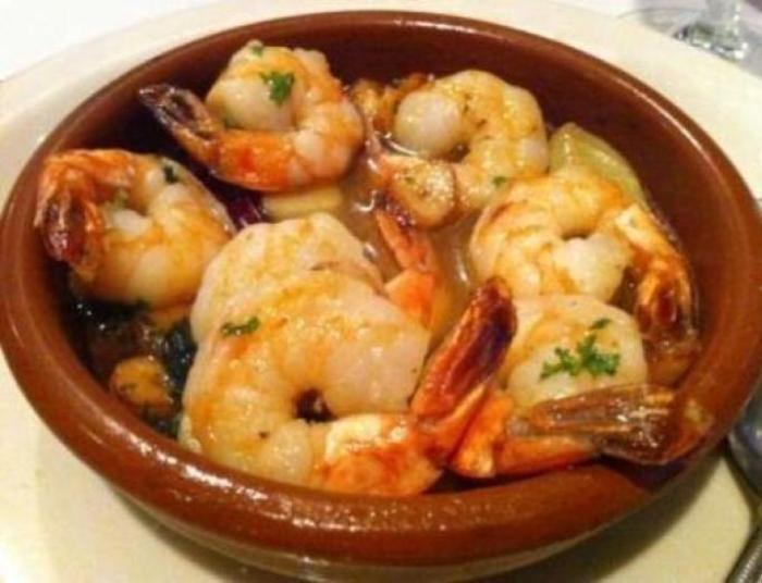 Gambas al Ajillo (Shrimp in Garlic Sauce) - Hispanic Kitchen