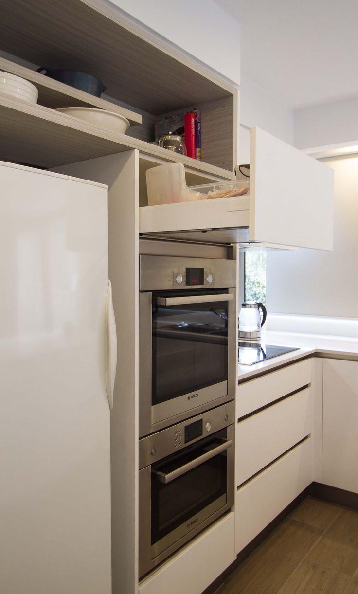 Small, modern kitchen. www.thekitchendesigncentre.com.au @thekitchen_designcentre