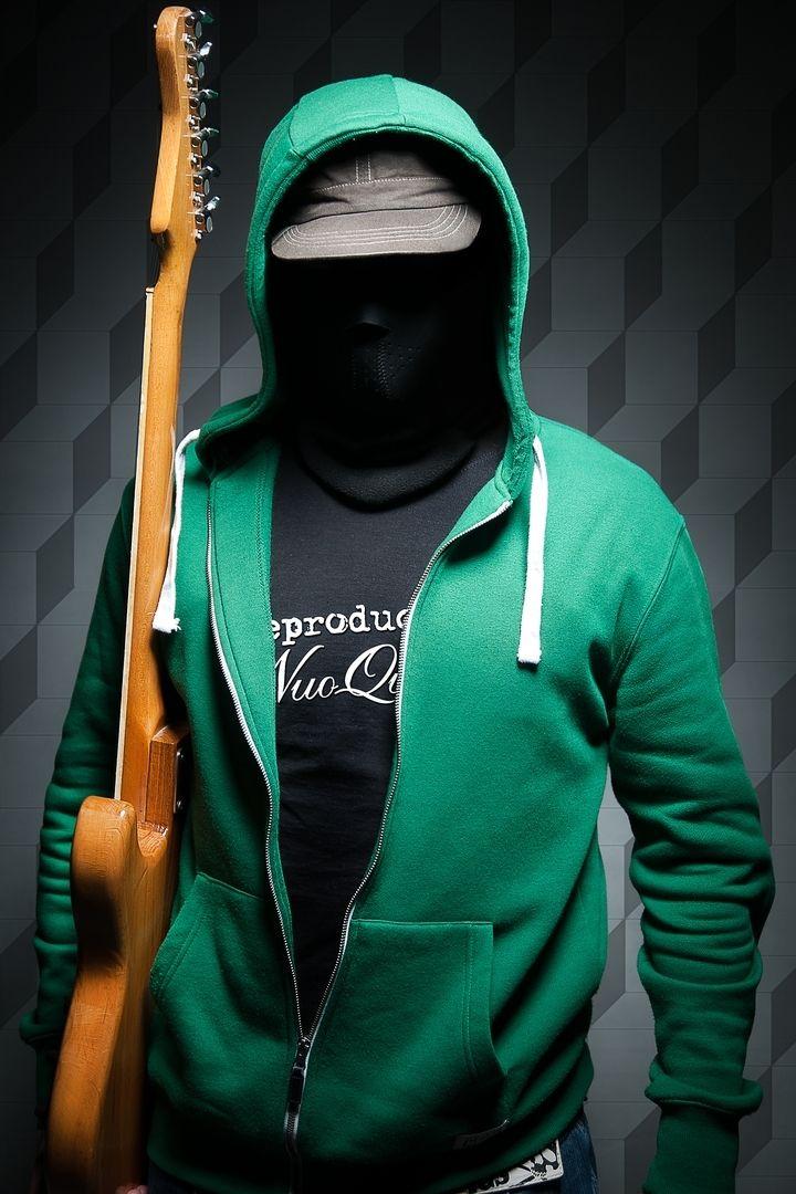 Guitar Hero.  Bartłomiej Kopczyński Black Studio portrait Photography www.blackstudio.eu