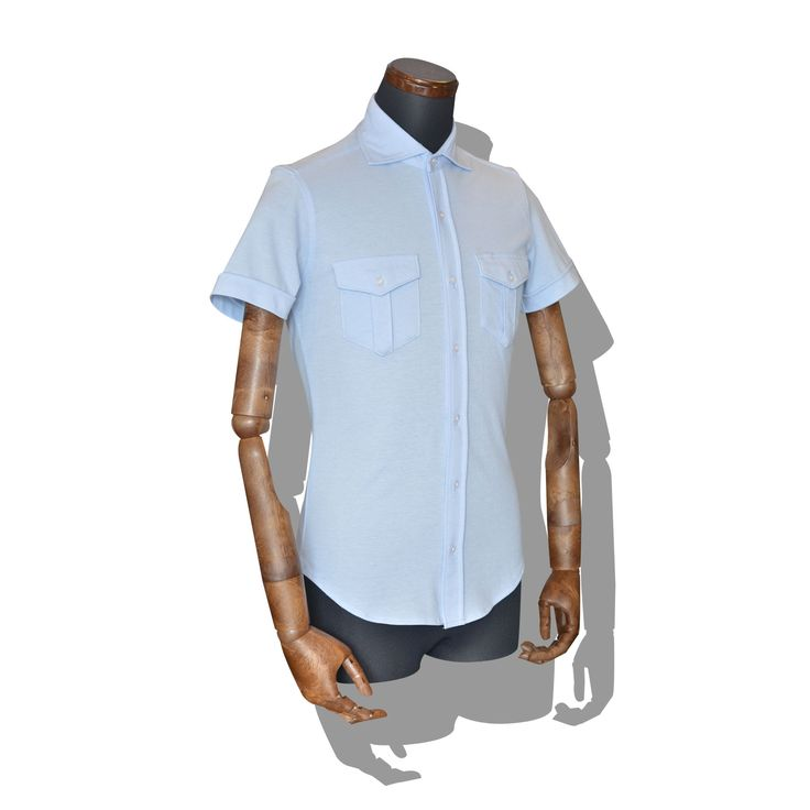 decollo pilot shirts SS - lt.blue 360° stretch #mens #ladys #fashion #shirts #business #travel #pilot #italy #suits #narrowtie #style #white #monochrome #black #decollo #model #tokyo #shop #success #pinterest #decollouomo #cruise
