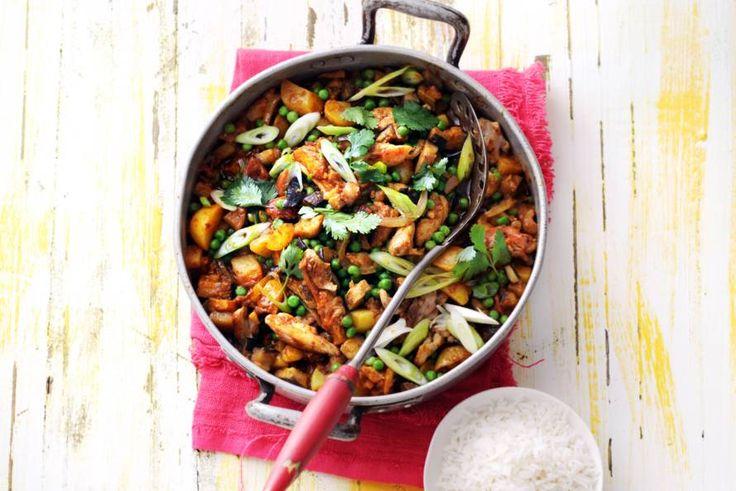 Kijk wat een lekker recept ik heb gevonden op Allerhande! Indiase curry met kip, aardappel en aubergine