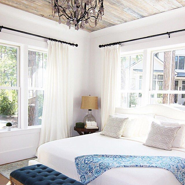 Loving this bedroom from Maria @simple_decor1 That ceiling, the light, the white. A Sunday could be well spent here. Maria shared on my link party Sunday's at Home and we (@susanloveofhome) and I are sharing her & the other features all over! Maybe you'd like to be featured next week? Gotta link up! Come on by...