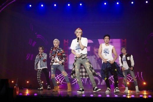 SUPER JUNIORのキュヒョンを中心とした集まりギュラインがSHINeeのコンサート現場に現れた。17日午後、SHINeeがソウルオリンピック公園内の体操競技場で4度目の単独コンサート「SHI… - 韓流・韓国芸能ニュースはKstyle
