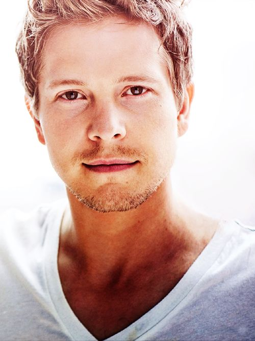 Matt Czuchry-  delightfully sexy as Logan from Gilmore Girls : )