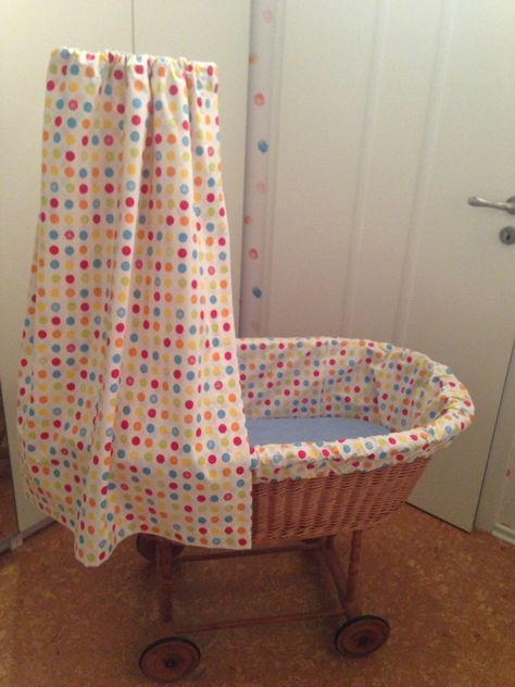 wenn es regnet himmel und nestchen f r stubenwagen rund ums n hen. Black Bedroom Furniture Sets. Home Design Ideas