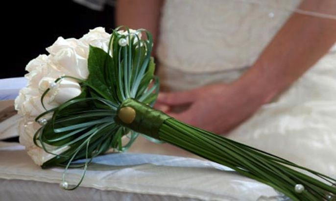 How Long Should Bridal Bouquet Stems Be : Long stem bouquet perfectweddingday g ?