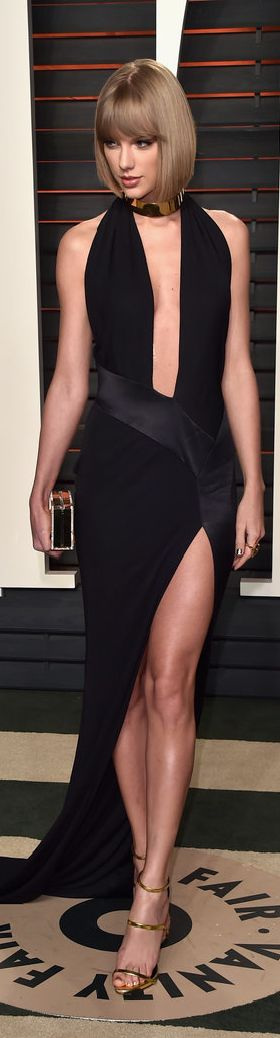 Taylor Swift Wearing an Alexandre Vauthier Haute Couture dress, Lorraine Schwartz jewels, and Giuseppe Zanotti shoes