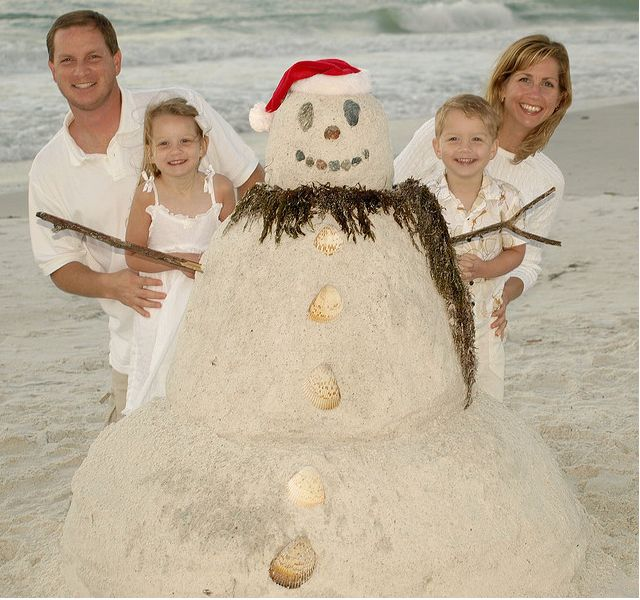 Take your Christmas card photo at your local beach during Summer. #Christmas, #Christmas Photography, #Christmas Photo